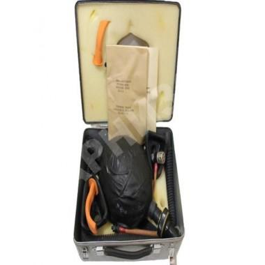Чемоданчик с аппаратом для искусственного дыхания